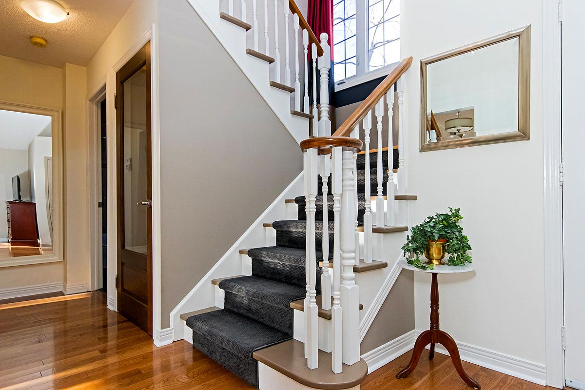 Entrance staircase in Maple House, Burlington furnished rental