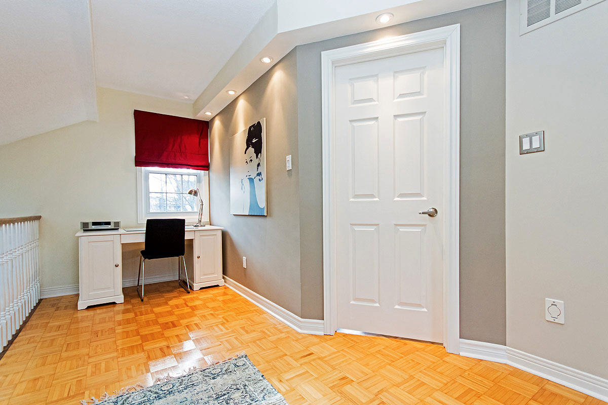 Upper floor office area in Maple House, Burlington furnished rental