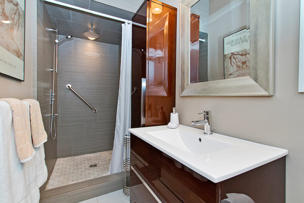 Bathroom with walk-in shower at Bellview Cottage, Bellview Street, Burlington furnished rental