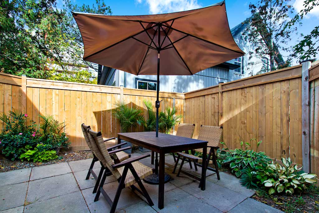 Private patio in Bellview Cottage, Bellview Street, Burlington furnished rental