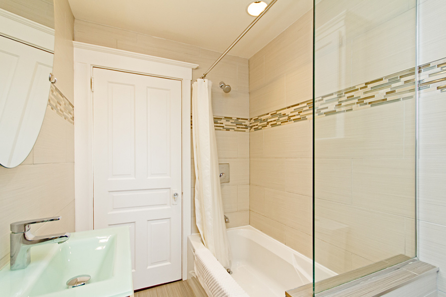 Shower in Emerson House, Caroline St, Burlington, Ontario furnished rental
